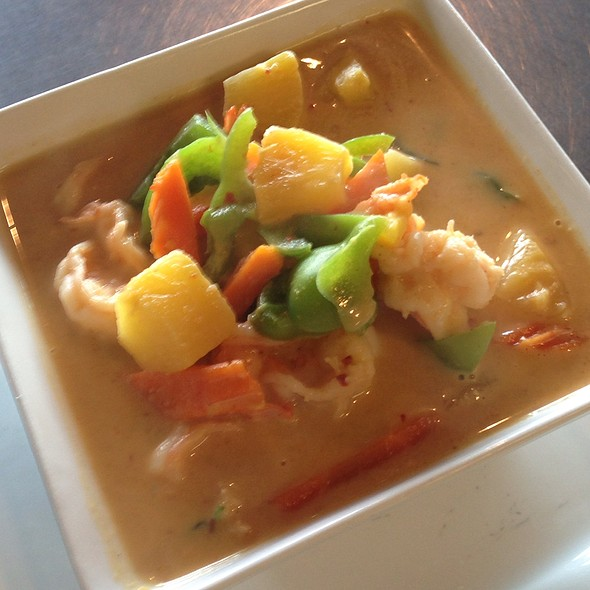 Pineapple Curry @ Aung's Bangkok Cafe