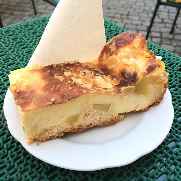 Bratapfelkuchen @ Cafe Kanzlei