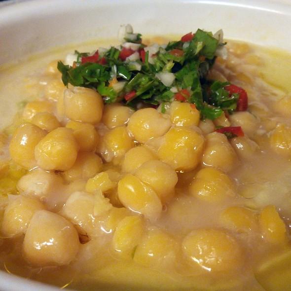 Hummus @ La Hummuseria