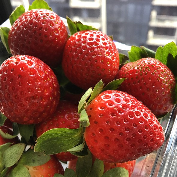 South East Qld Strawberries @ eat more FRUIT