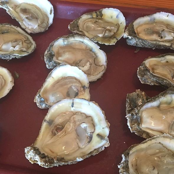 Oysters @ Pop's Raw Bar