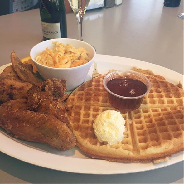 Chicken & Waffles with Mac N Cheese