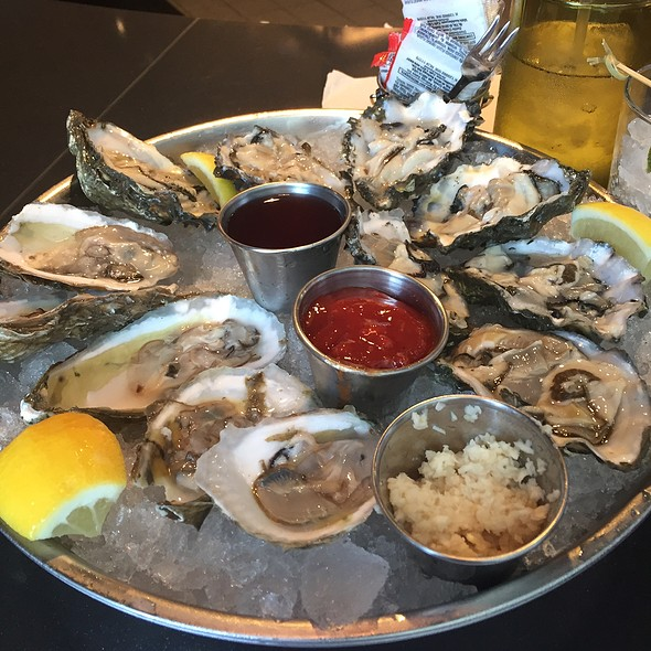 Assorted Oysters @ 1897 Market
