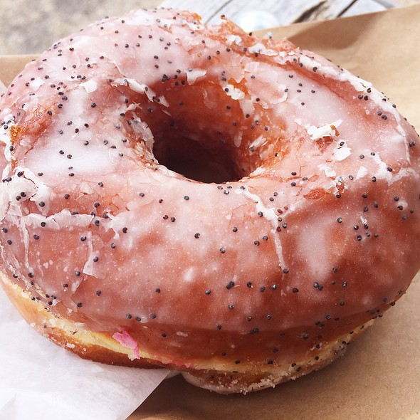 lemon poppyseed doughnut @ Key & Cup
