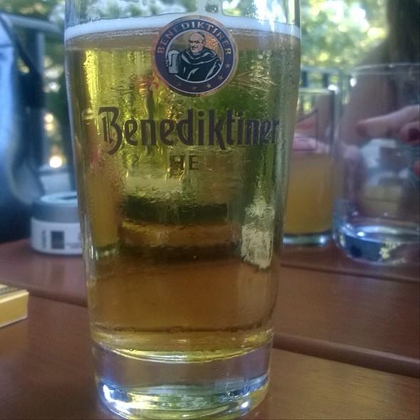 Benediktiner Hell @ Buschwiese/Hirschgarten