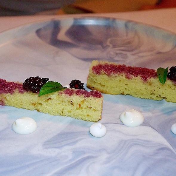 Citrus olive oil cake, blackberries, mint, lemon mousse, meringue crisps @ Heirloom