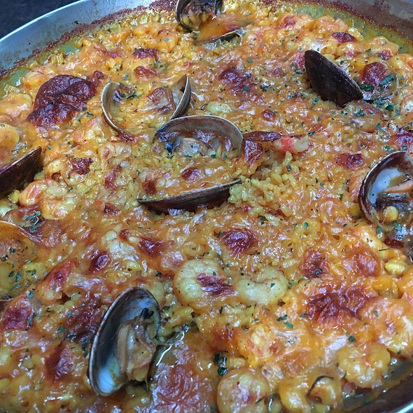 Arròs de sepia i almejes  Gallegues a Arrosseria Ordino T. 838383 @ Arrosseria