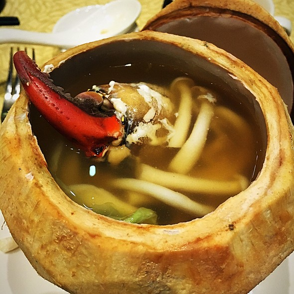Double Boiled Crab Claw Soup @ Crystal Jade - Dining In
