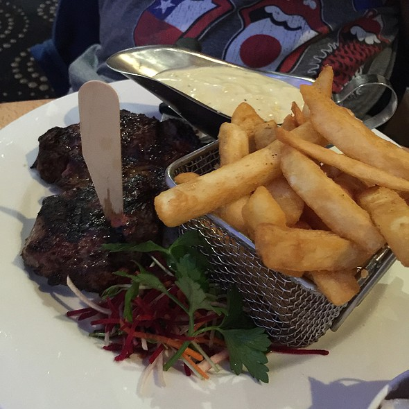 Rib Fillet, Chips And Salad And Garlic Cream Sauce @ Geebung-Zillmere RSL Club