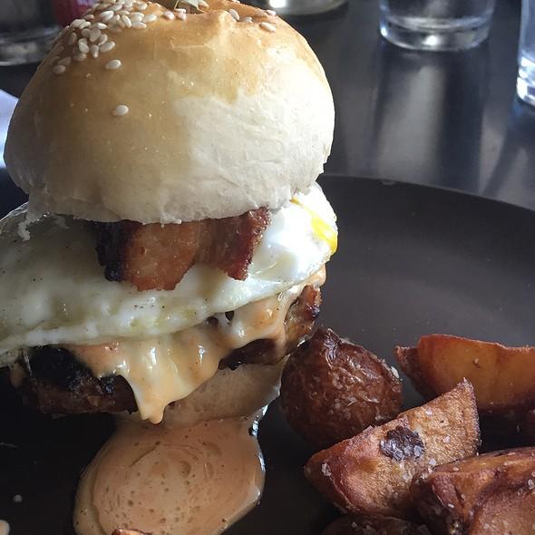 Brisket Burger @ Folc