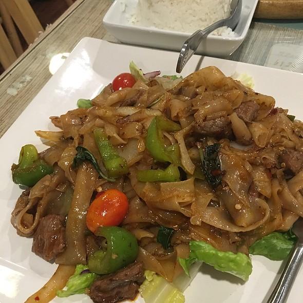 Pad Kee Mow @ Srida Thai Cuisine