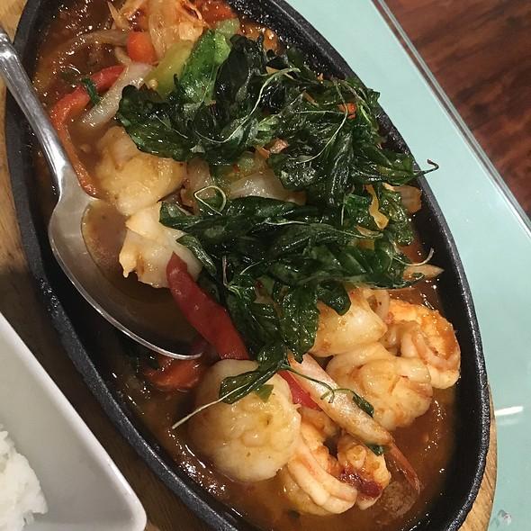 Basil Chili Shrimp And Scallops @ Srida Thai Cuisine