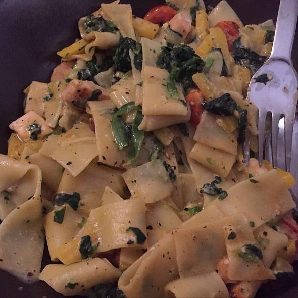 Fettucine / Spinach @ Home Sweet Home Sir Aqua