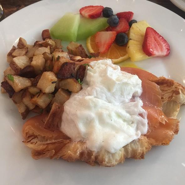 Salmon Eggs Benedict On Croissant @ Cafe Bastille