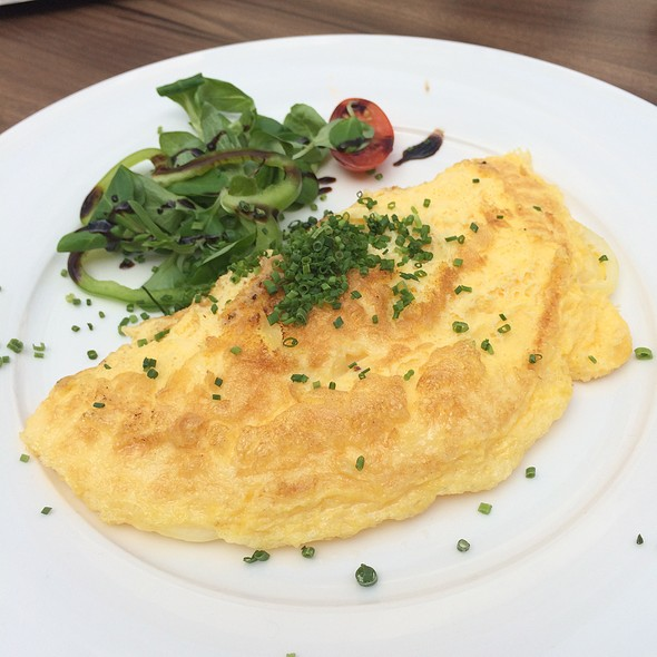 Omlette with Onions @ Harry Holzer Mödling