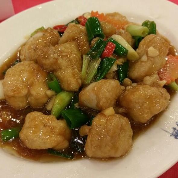 Stir Fried Fish Maw @ 新港海鮮餐廳