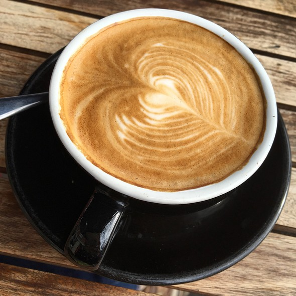 Flat White @ Café Sweethearts