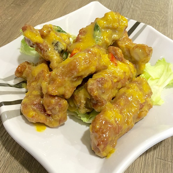 Salted Egg Yolk Pork Ribs @ Mongkok Dim Sum 旺角