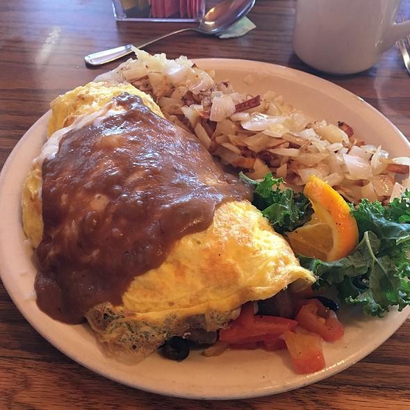 Prime Rib Omelette @ Golden Steer Steak 'n Rib House