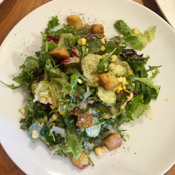 Seasonal Salad @ the girl & the fig