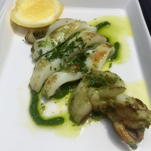 Cuttlefish With Garlic, Lemon. And Parsley