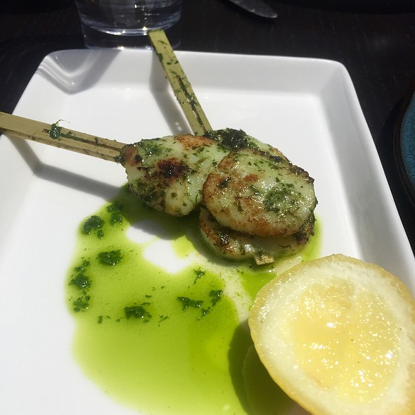 Diver Scallops With Garlic, Lemon, And Parsley
