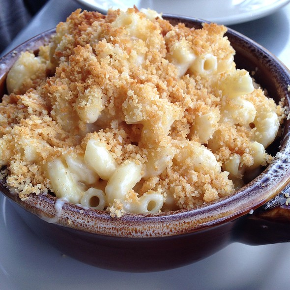 Mac and Cheese - Robert's Maine Grill, Kittery, ME
