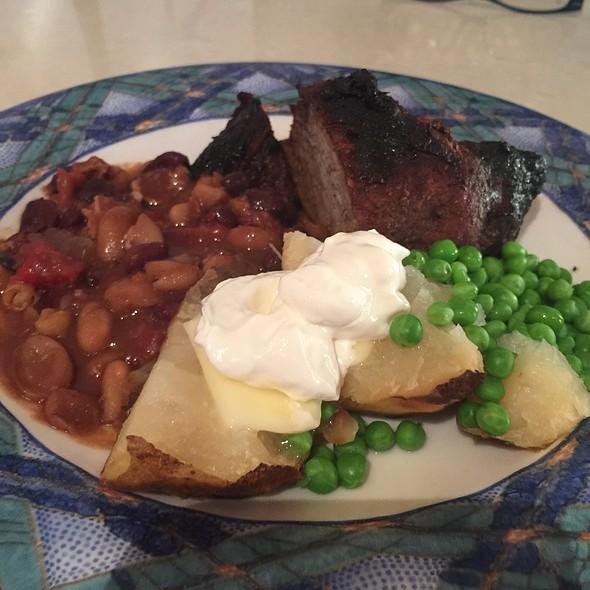 Tri Tip, Potato Beans And Peas @ Ractoids Place