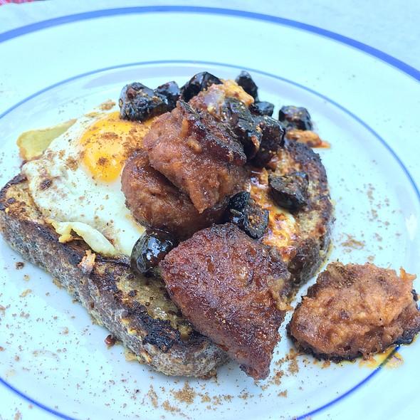 Portugese Toast @ Le Salbuen