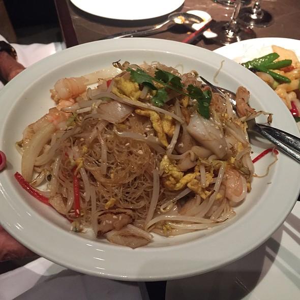 Singapore Noodles - Hakkasan - Fontainebleau Miami Beach, Miami Beach, FL