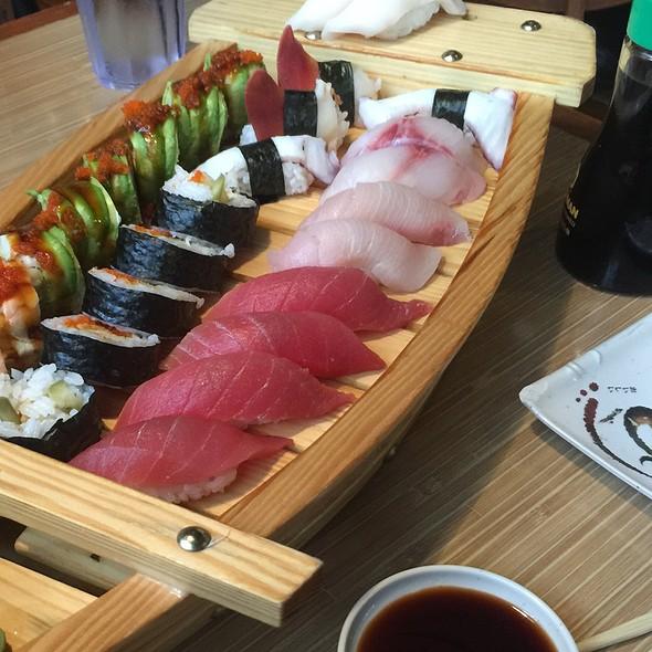 Sushi @ Oishi Steakhouse & Sushi