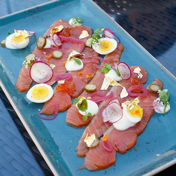 House smoked king salmon – cured and smoked gold wild king salmon, crème fraîche, pickled shallots and capers