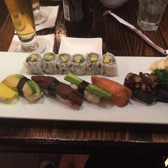 Vegetable Sushi Platter  @ Amber