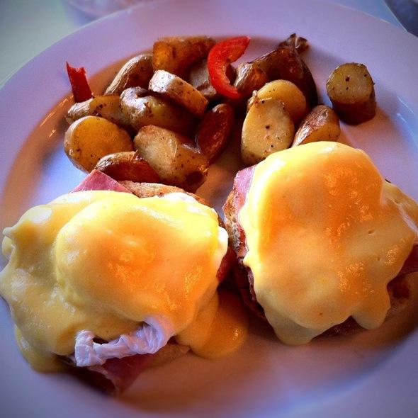 Eggs Benedict - Market Street Grill, San Francisco, CA