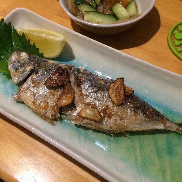 Grilled Mackerel With Garlic @ 美味 (Mimi)