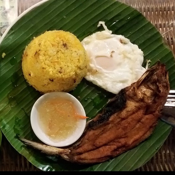 Daing Na Bangus With Fried Rice And Egg