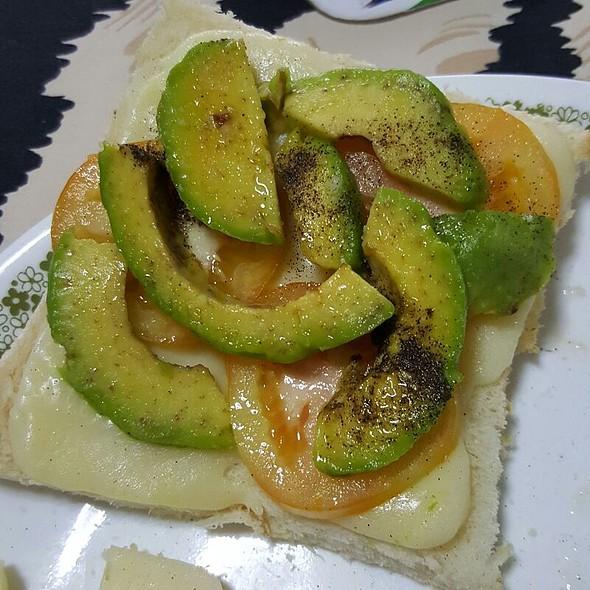 Cheese Avocado and Tomato Sandwich @ Dindilicious