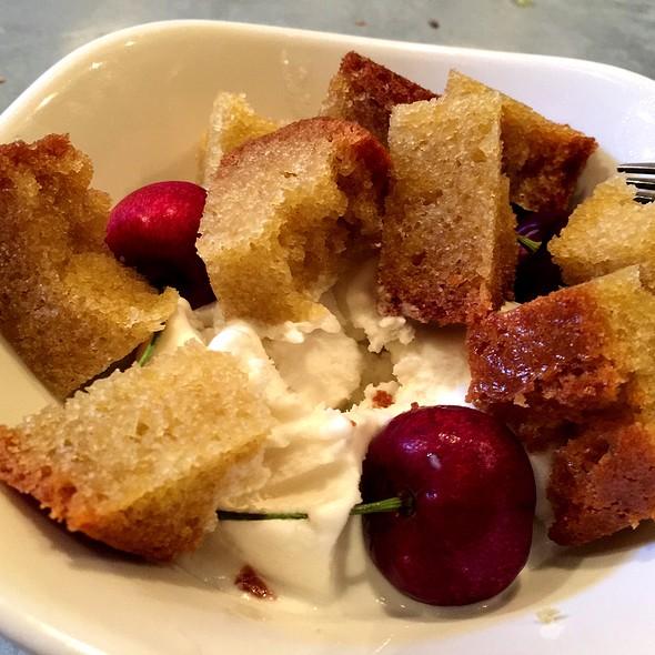Olive Oil Cake @ il buco alimentari & vineria