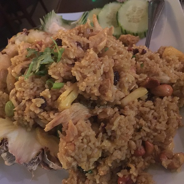 Pineapple Fried Rice with Chicken @ Zabber Thai Cuisine