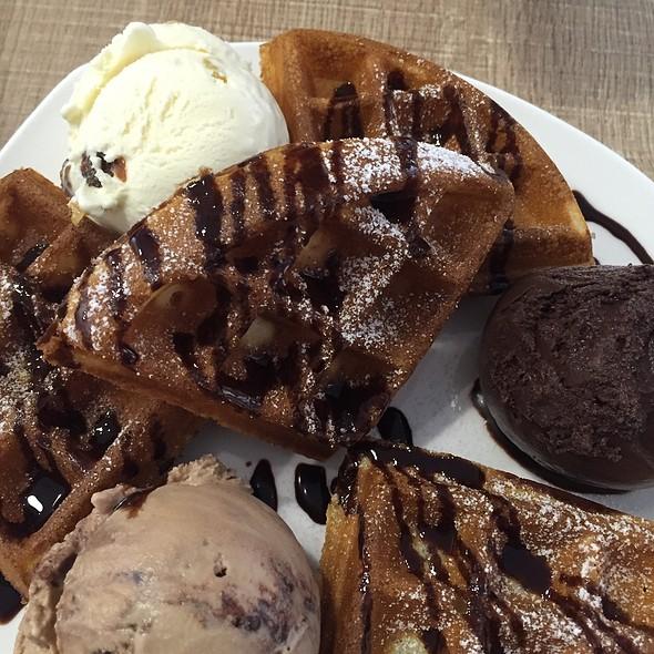 Waffle & Ice Cream @ The Ice Cream Bar