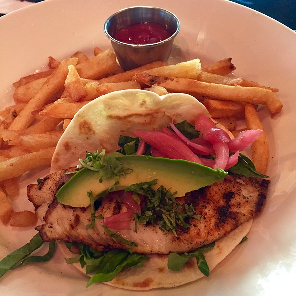 """""""Infamous"""" Fish Tacos @ Marlow's Tavern"""