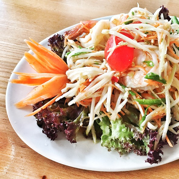 Som Tam ( Thai Papaya Salad) @ Lily's Stomach Supply