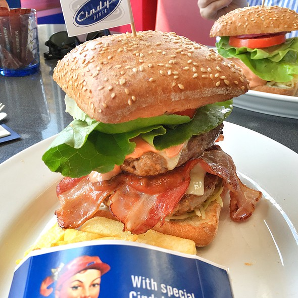 American Burger @ Cindy's Diner Herrlisberg Nord