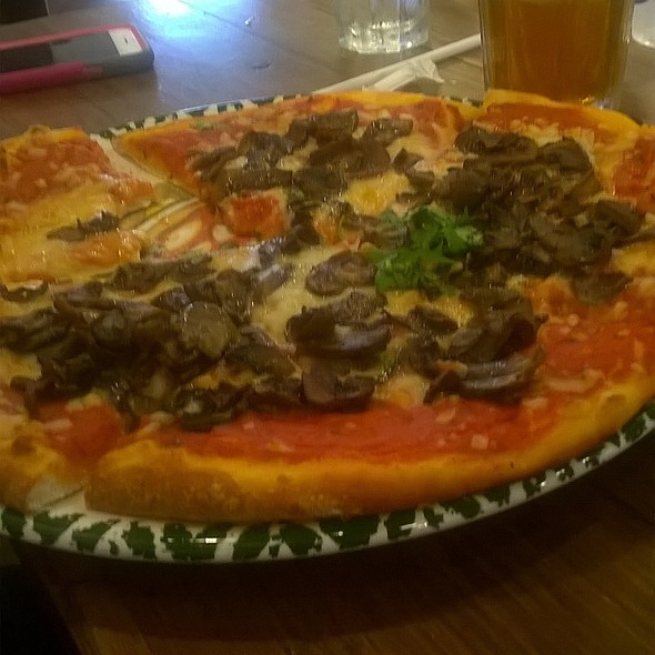 Mushroon Pizza @ Vegenation