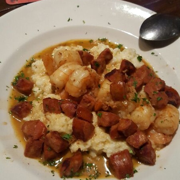 Shrimp and Grits @ The Pearl