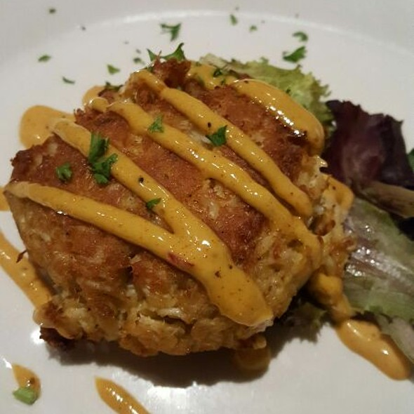 Crabcakes @ The Pearl