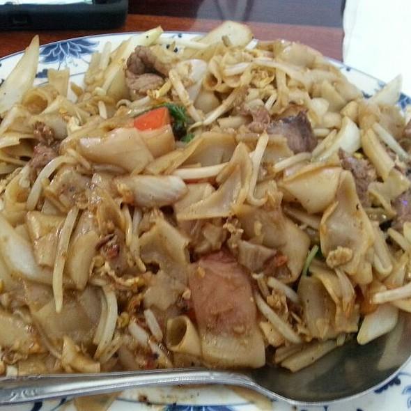 Pad Thai @ Vientiane Thai Laos Restaurant