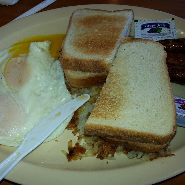Eggs And Toast @ Angelo's Burgers