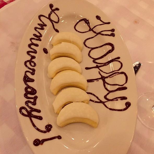 Lemon Ricotta Cookies @ Maggiano's - San Antonio