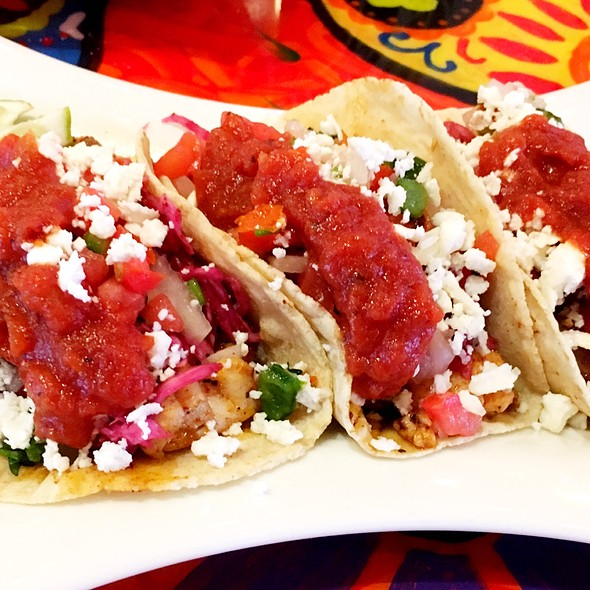Redfish Tacos @ Los Jefes Grill